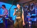 A-Sängerin-Bettina