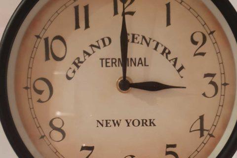 NICHT VERGESSEN: Am kommenden Wochenende wir die Uhr umgestellt