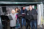 Lebendiger Adventskalender: Viernheimer Schlagerstars singen bei Küche mit Biss