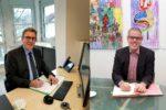 Kreis und Gemeinde rücken näher zusammen – Landrat Christian Engelhardt und Bürgermeister Holger Schmitt unterzeichnen Kooperationsvereinbarung